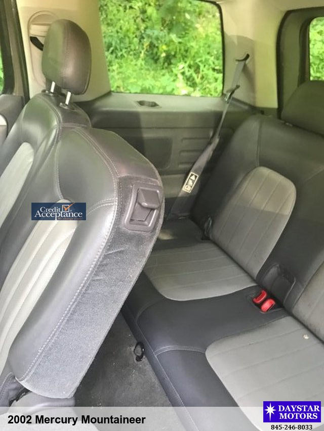 2002 Mercury Mountaineer SUV